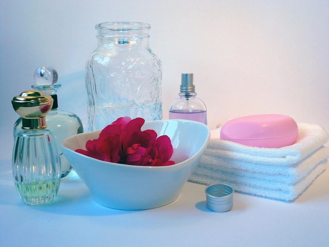 bath-soap-perfume-bottle-oil-585128