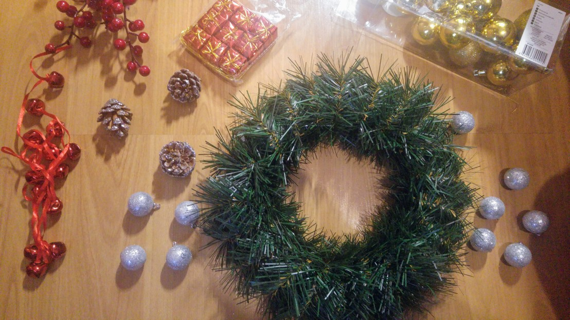Plain Christmas wreath, silver and gold baubles