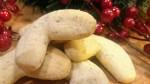 almond-crescent-cookies-2.jpg