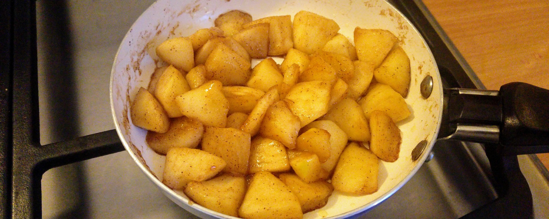 Caramelized apples on a frying pan