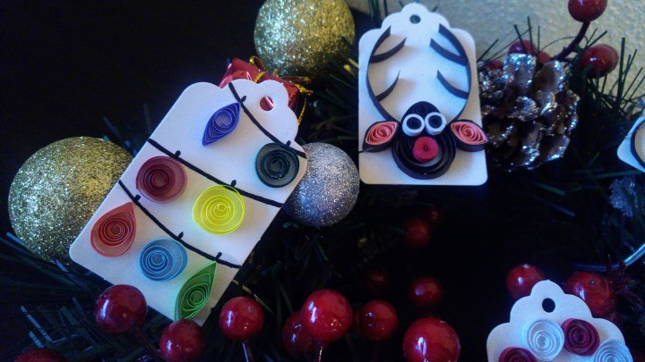 DIY handmade Christmas gift tags - a string of baubles and a reindeer