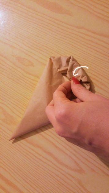 diy-paper-piping-cones-13-a
