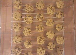 Flourless-chocolate-chip-peanut-butter-cookies-2.jpg