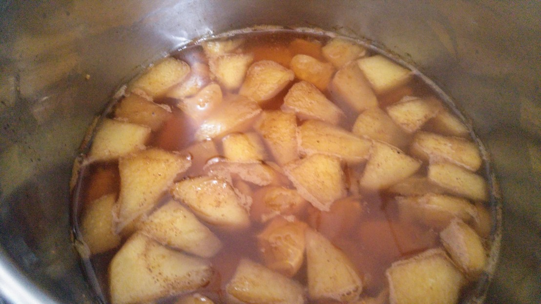 Cooked mulled tea in a pot