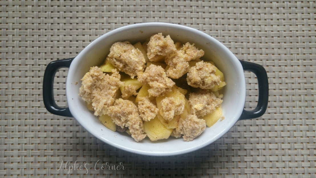 Apple crumble for one - apples with crumble on top