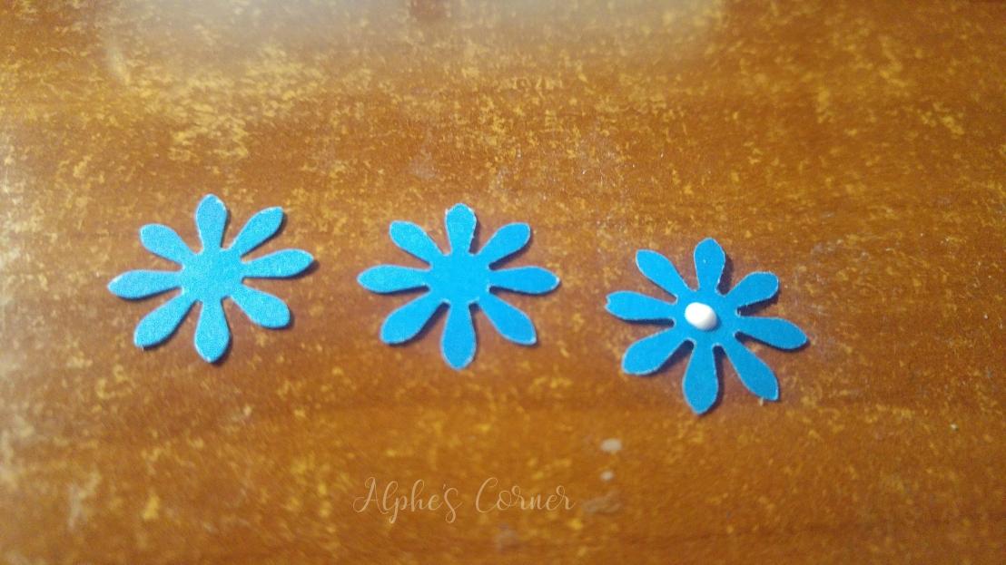 Mini paper flowers - three layers