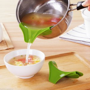 Useful kitchen tools - silicone pot mouth