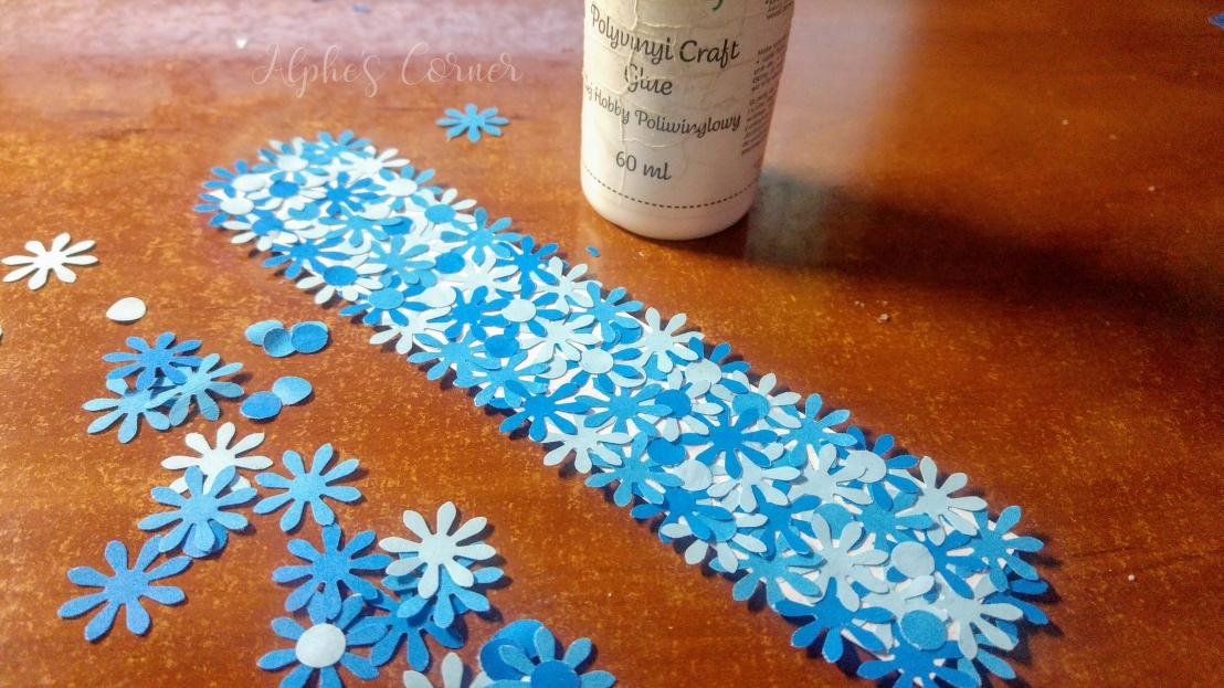 Simple DIY flower bookmarks - work in progress