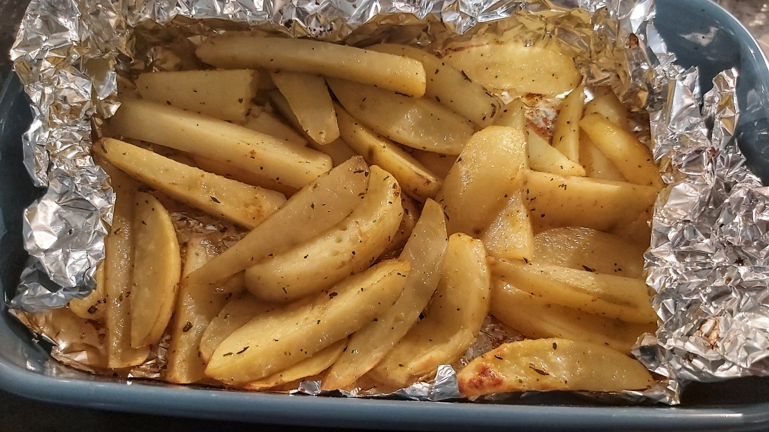 healthy-oven-baked-fries-7.jpeg