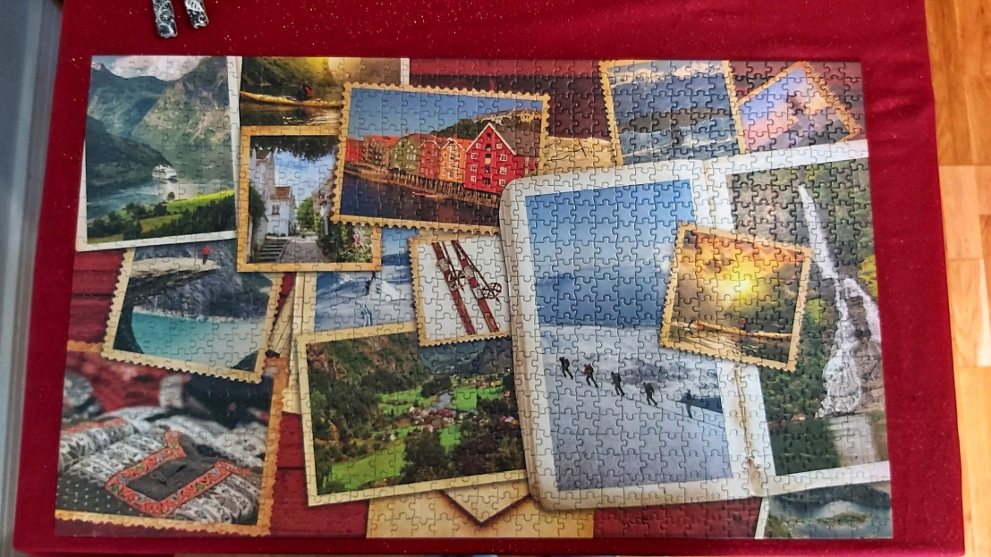 A completed jigsaw puzzle - pictures of Norway