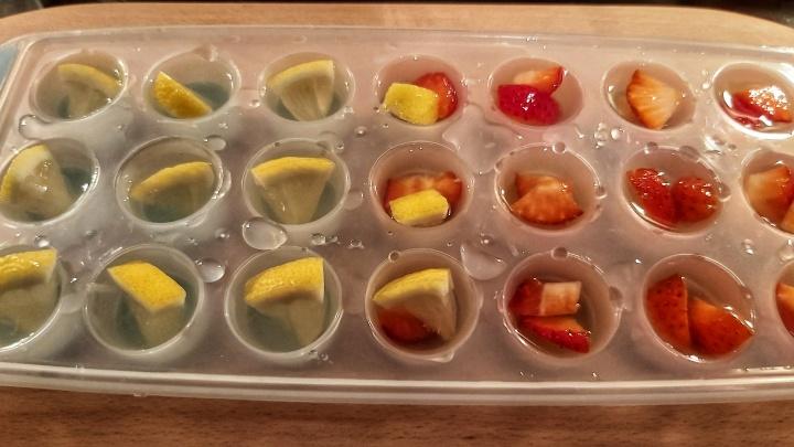 lemonade-strawberry-ice-cubes-2.jpeg