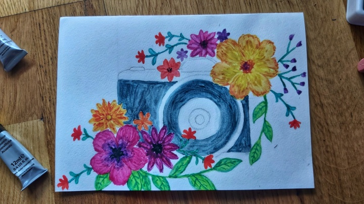 Watercolour card - camera with flowers - step 3