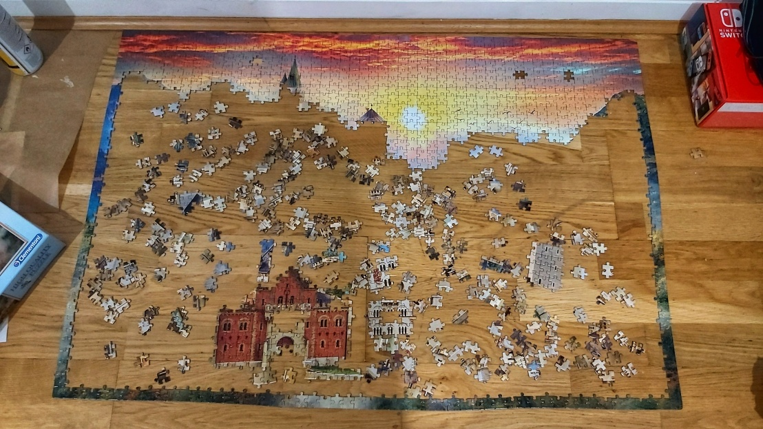 Home activities - jigsaw puzzles - 2000 piece castle