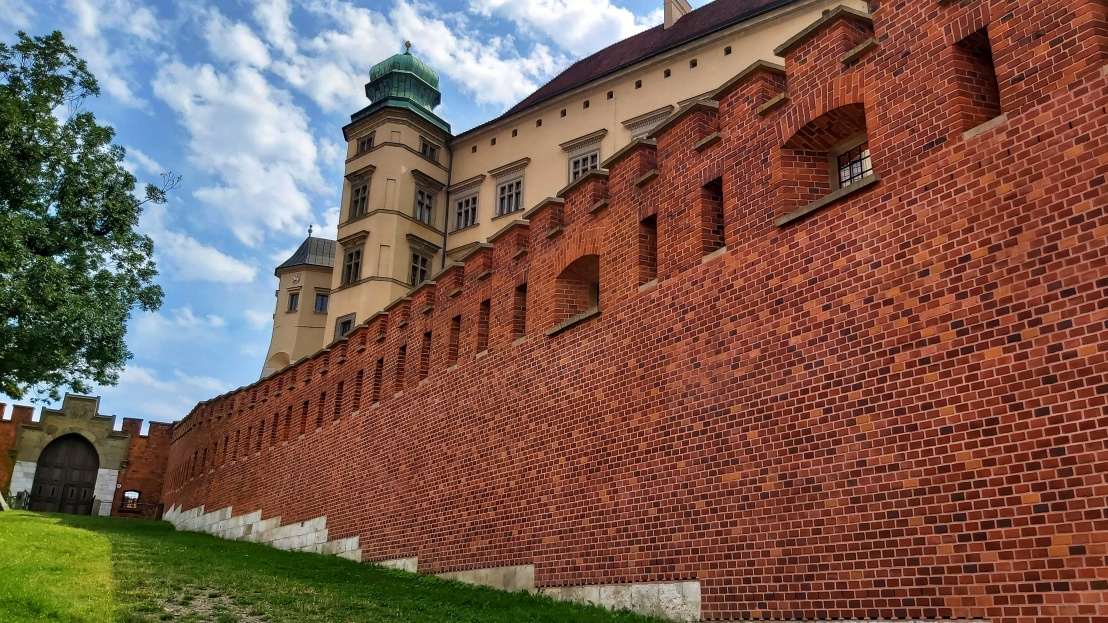 Cracow Trip - the walls of the Wawel Castle