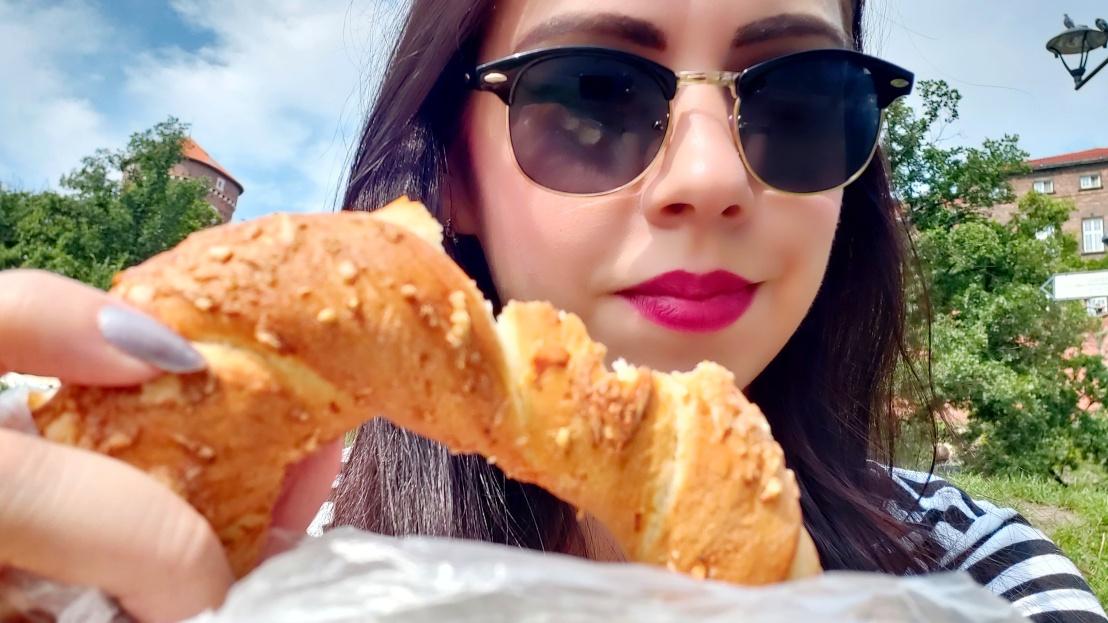 Cracow Trip - famous pretzel (obwarzanek)