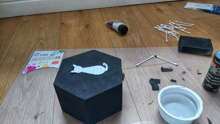 DIY Painted Wooden Box - Cat - Painted box with cat silhouette on top lid
