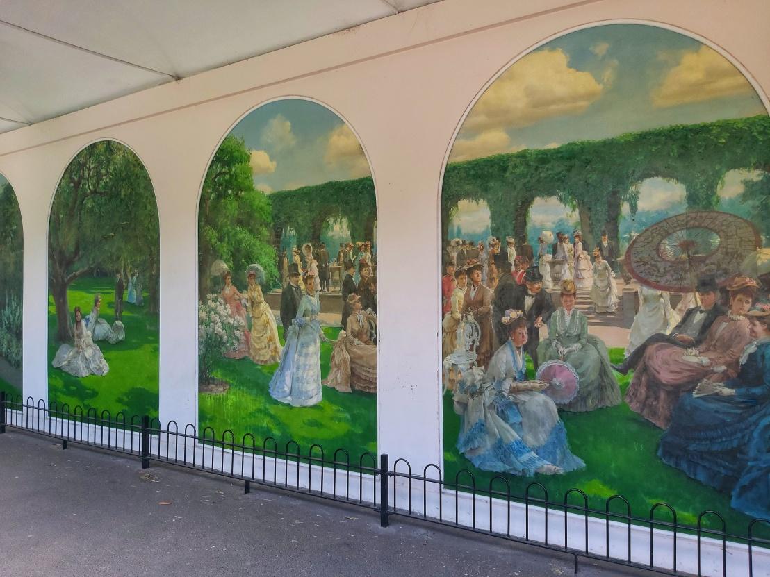 Holland Park Dutch Garden